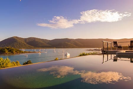 Whitsundays best view plus pool/spa