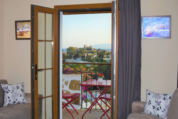 Apartment with Swimming pool Center of Bodrum