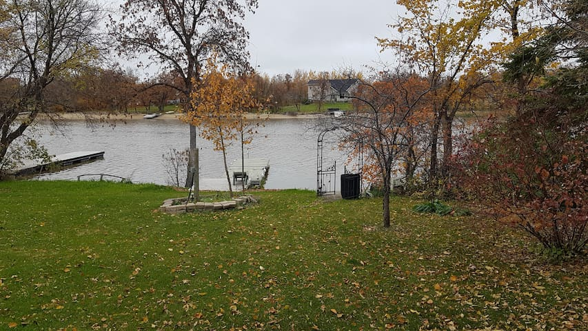 Waterfront House, room for rent/ Great fishing