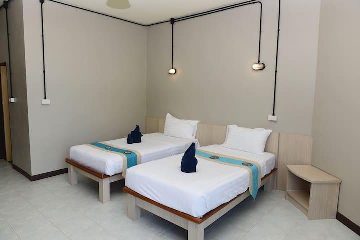 813 Khao Lak Hostel Twin Room 2