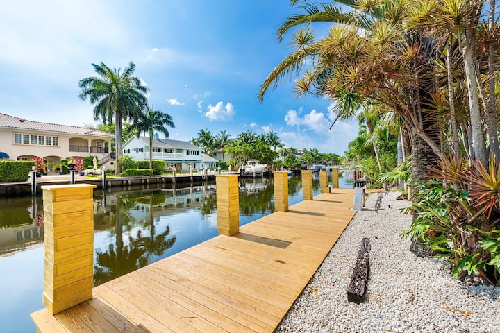 Waterfront Las Olas Property W/ Pool and Hot Tub
