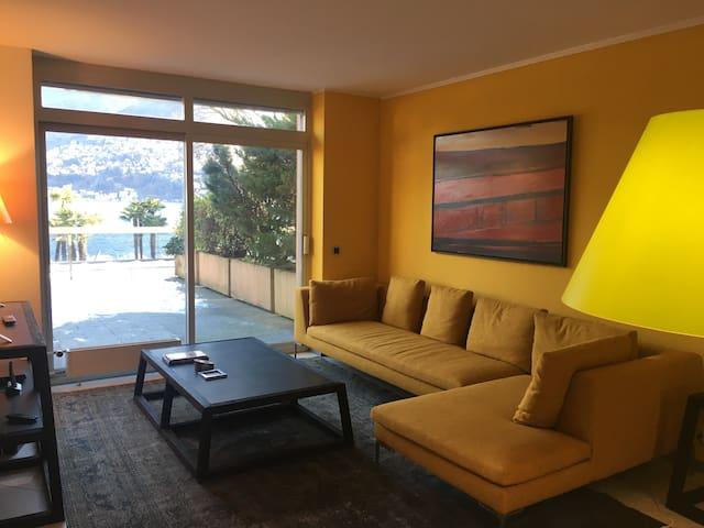 Splendido appartamento centrale e fronte lago