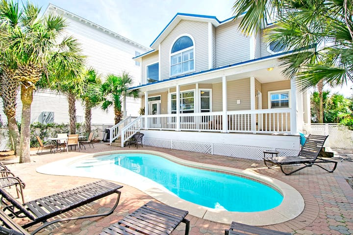 5BR w/PRIVATE Pool- Across from Beach!☀2 Step Sanitizing Process☀Ocean Breezes
