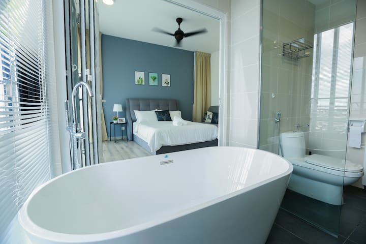 16P BIG GROUP FAMILY SOUTHKEY MIDVALLEY 3R BATHTUB