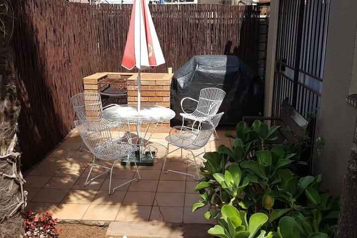 Private and Cosy near O R Tambo / Birchwood
