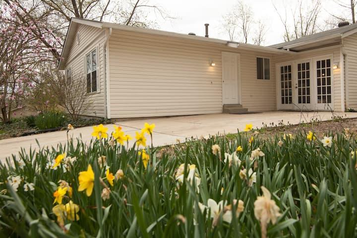 3 Bedroom Ranch By Grassy Field w/ Laundry & Deck