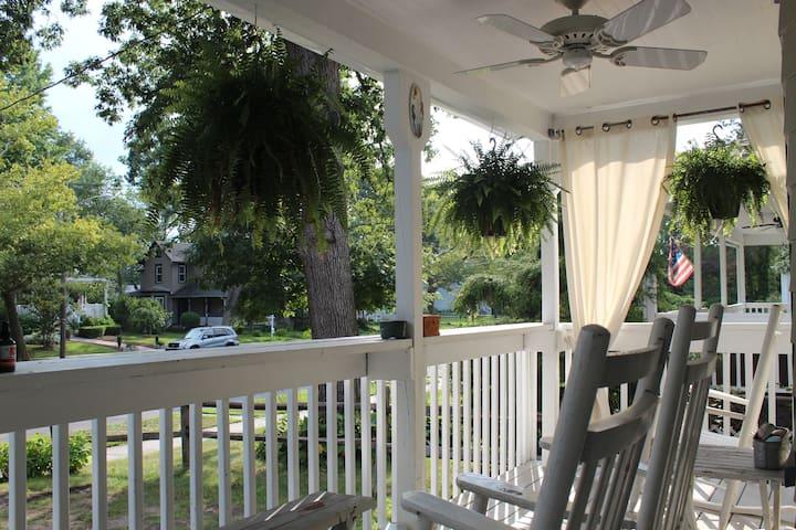Bright   Sunny   Asbury Park Shore House