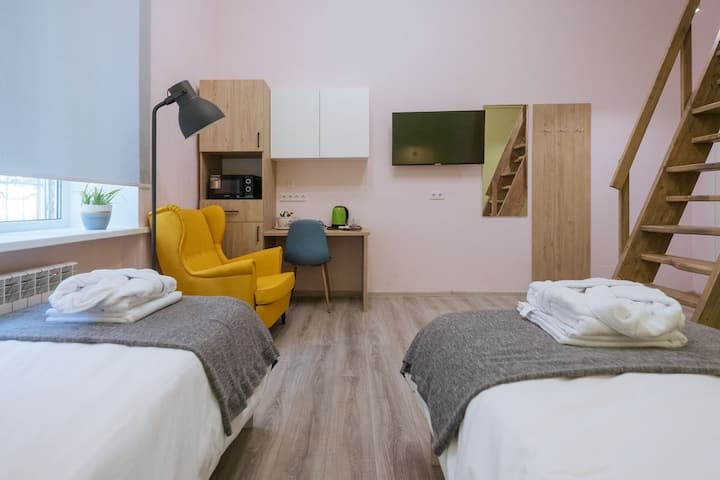 Трехместный номер с тремя отдельными кроватями
