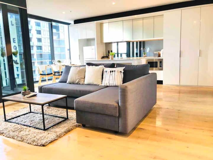 The Manhattan 3bd 2 bath apt -free gym+car park