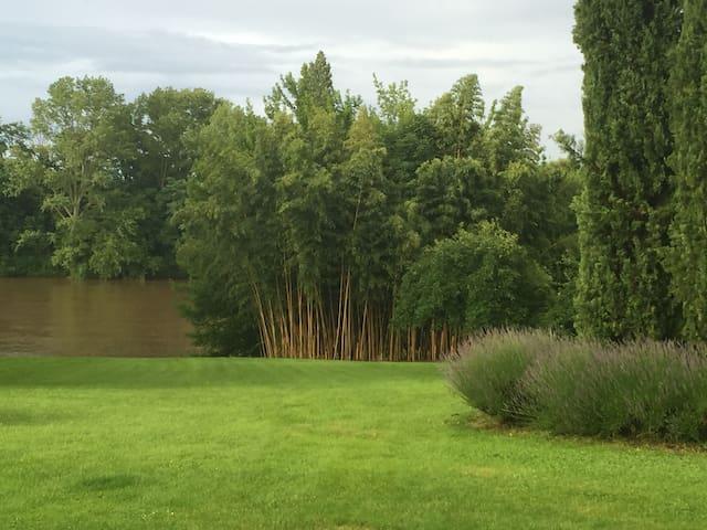 La Dordogne à vos pieds dans un écrin de verdure