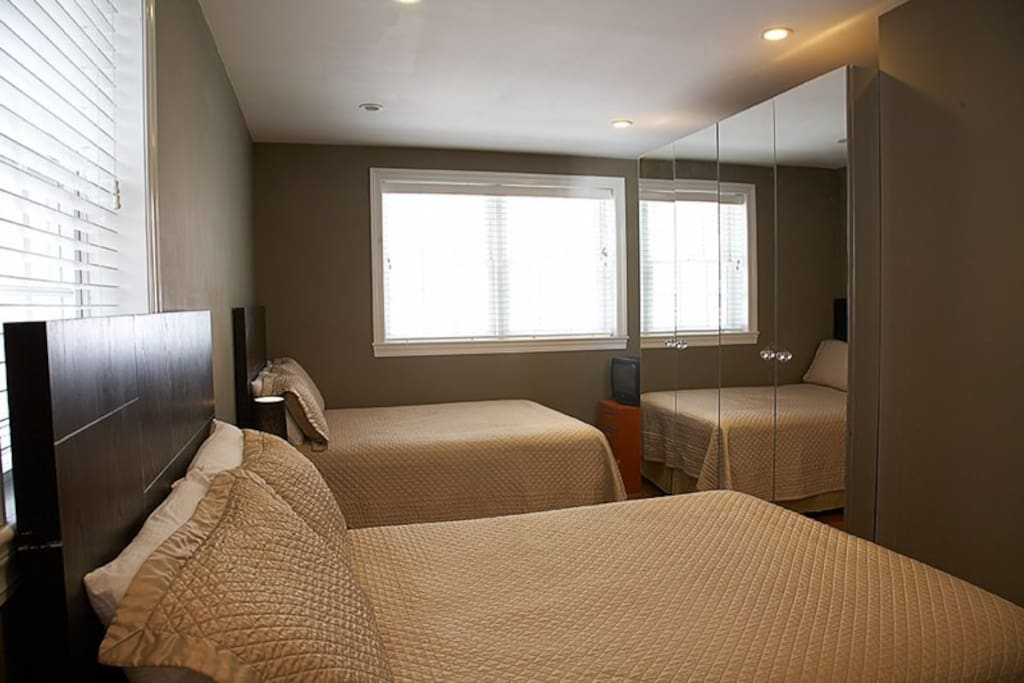 2 Full Beds with private bath