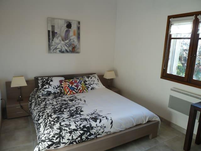 chambre avec lit 160 x 200