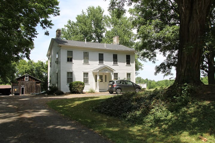 Historic 1860's home. - Geneseo - Talo
