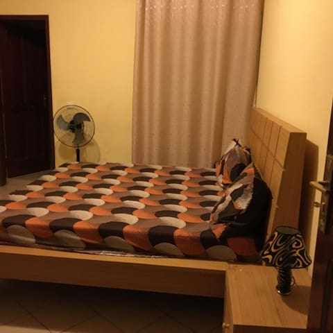 Chambre 2 avec salle de bain