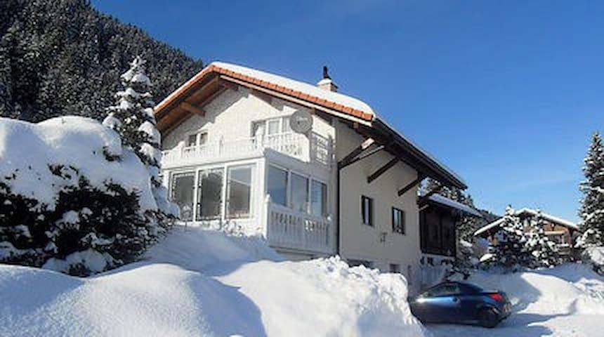 Grosszügiges Ferienhaus im Schwarzsee - Plaffeien
