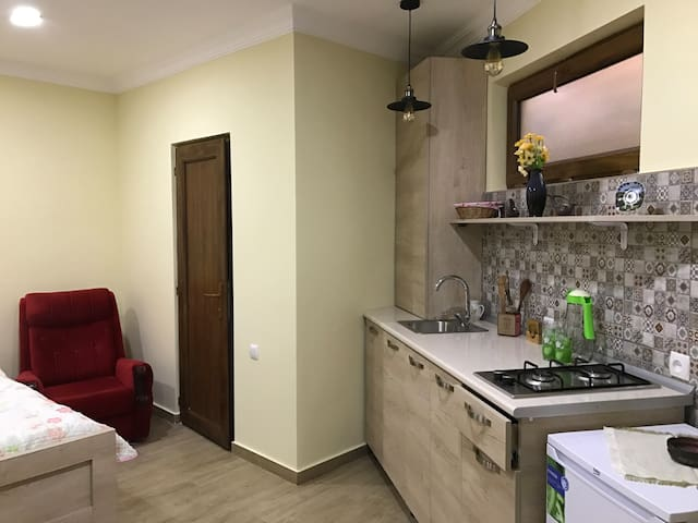 Apartament on tsminda Nino N9