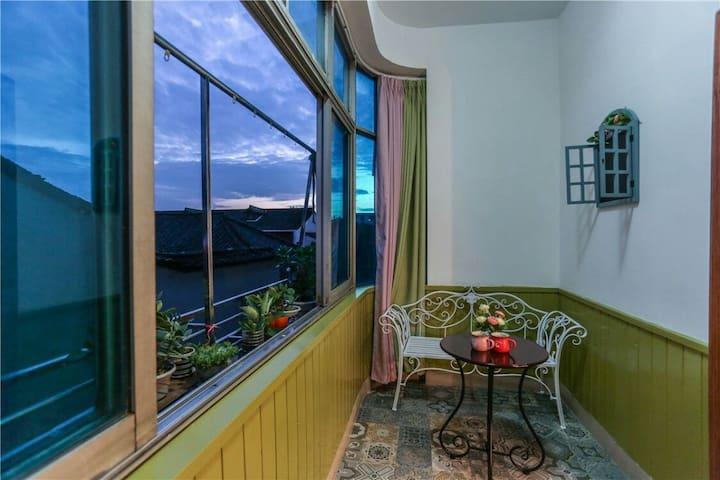 乌镇东西栅两景区景区中心位置一帘幽梦大床房带阳台