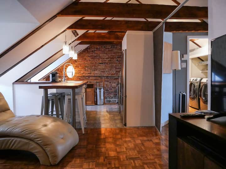 LEGAL Loft Penthouse in the Heart of Old-Quebec