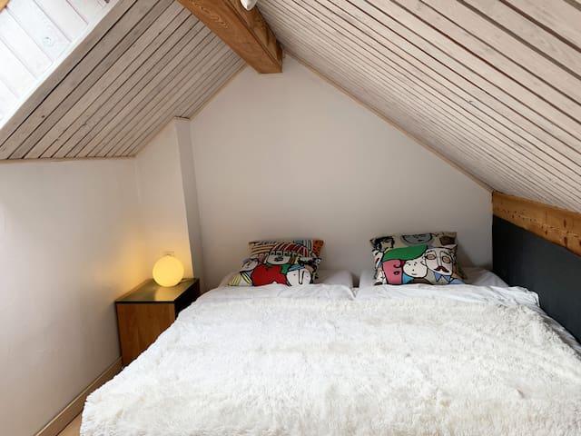 Le Snug : Chambre avec un lit double