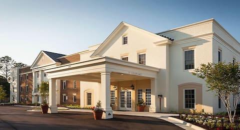 Williamsburg Premium Suite