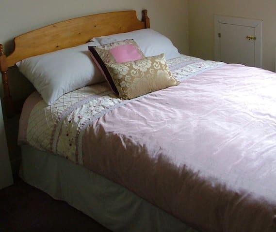 Bedroom 2 - 1 Double Bed