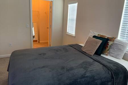 room near milenia mall
