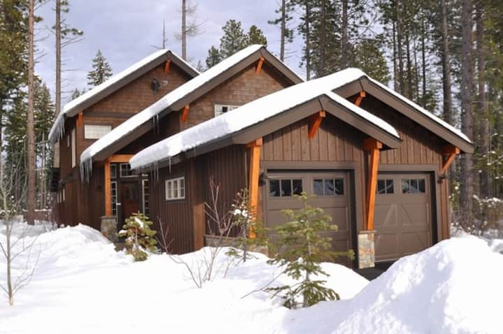 Moon Rise Trail-Luxury Vacation Home in Suncadia!  Great Value * Hot Tub * Specials!