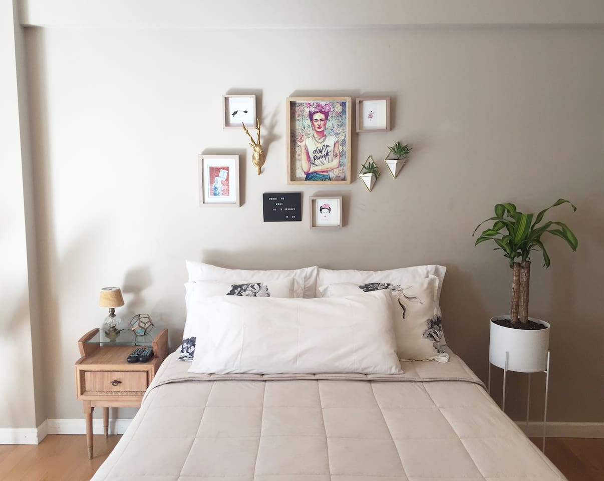 Bed & Wall decor