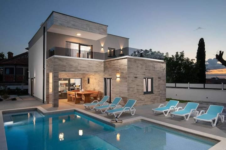 Holiday villa Banjole - Medulin