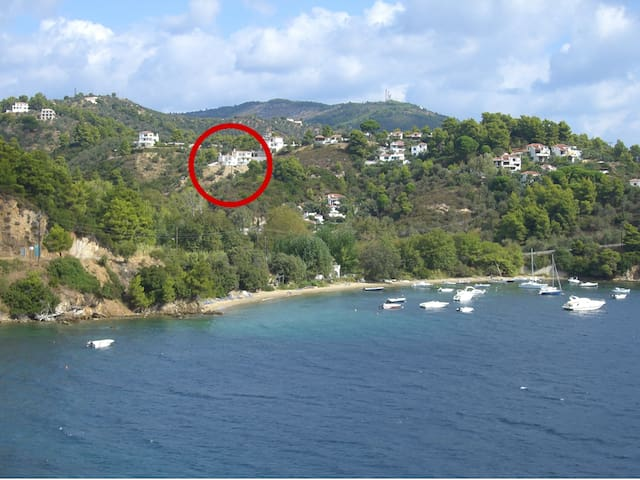 Great view, quiet area, short walk to the beach - Sporades - Huvila