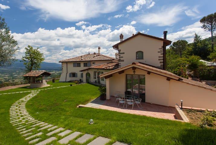 Luxury Villa with pool near Florence - sleeps 10