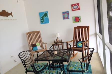 Casa Blanca Guest Suite on Water Island
