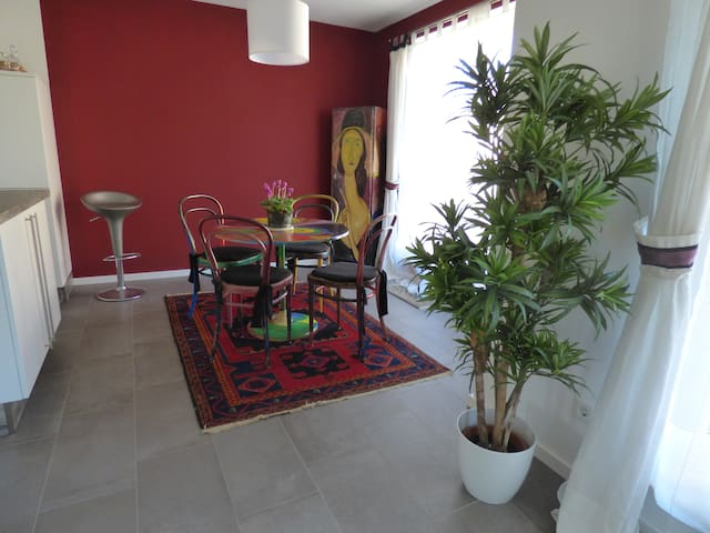 Individuelles Apartment in München - München - Condominium