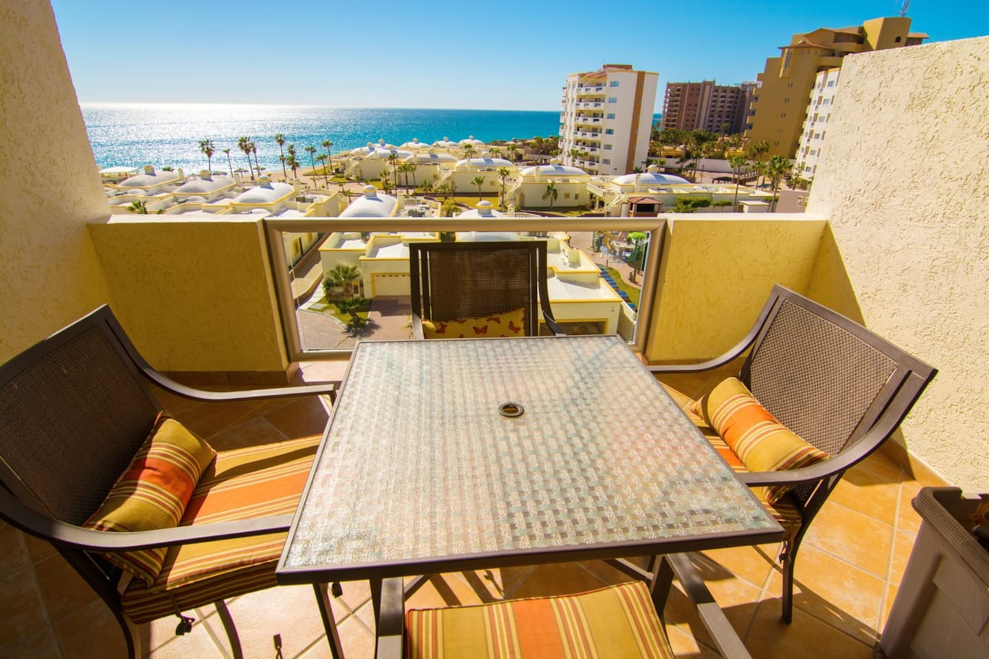 Balcony,Dining Table,Furniture,Table,Dining Room