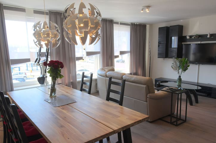 Deluxe stay in Tilburg, business and school!