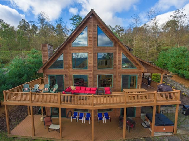 Ski in/Ski Out mountain chalet w/ pool table, hot tub, & stone fire pit!