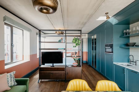 Spacious Studio Apartment with Gym and Sauna