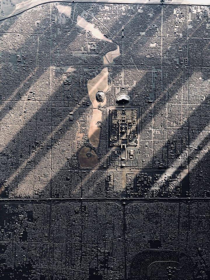 展览馆内北京城铜板地图