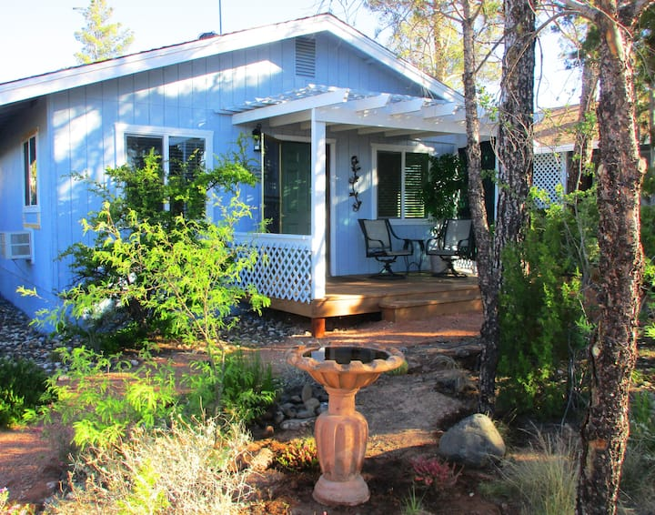 Hilltop Haven Retreat Cottage Close to Sedona