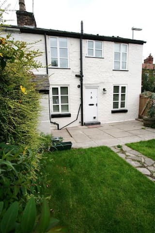 Urban cottage south Manchester ❤️ - Manchester - Ev