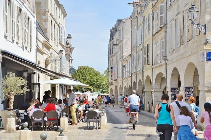 43m2 design et cosy en plein coeur de La Rochelle