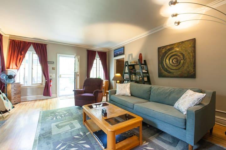 Gorgeous 1927 Tudor Style Home 5 min to Downtown!