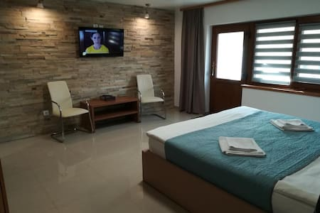 Aparthotel Iezer