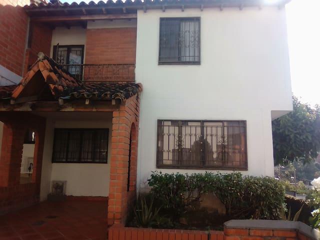 Casa/Habitacion en Floridablanca-Santander-Col.