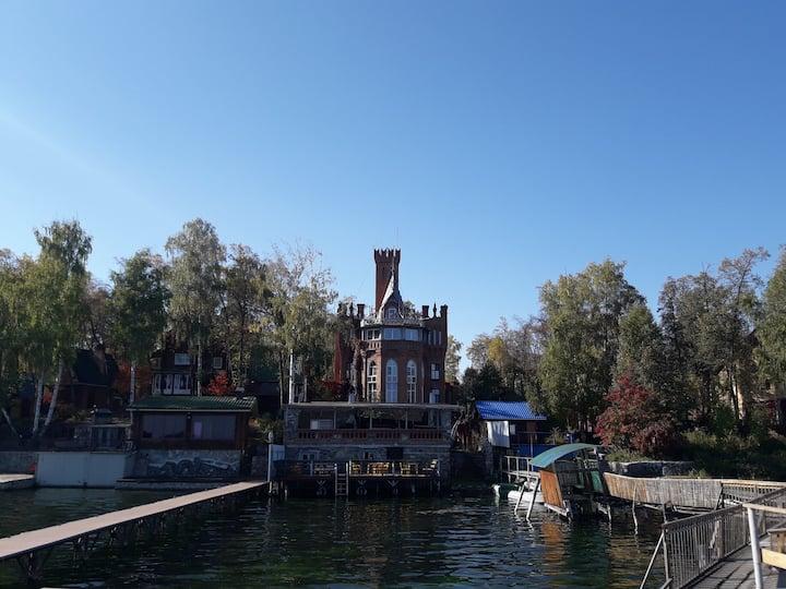 Дом с прекрасным видом на озеро Увильды