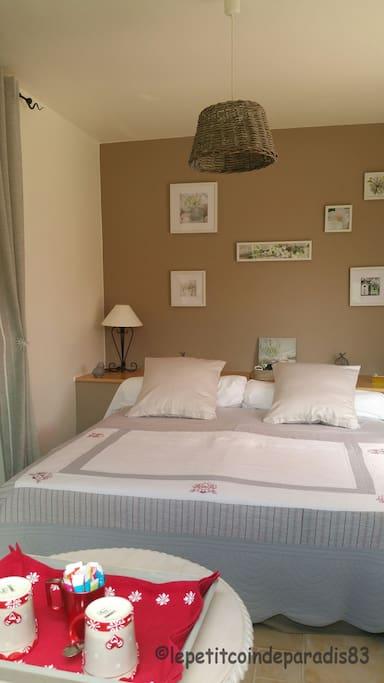 Chambre d'hôtes - grand lit