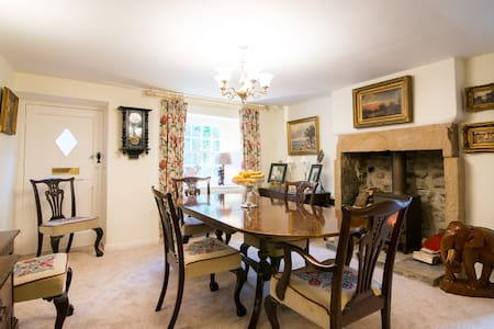 Cressbrook: double room, Angler's Cottage B&B. - Inap sarapan