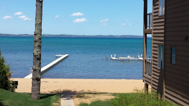 Beautiful Traverse City Condo on the water
