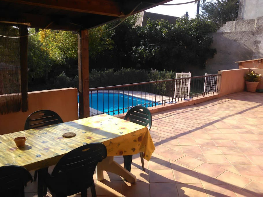 Farniente townhouses for rent in p zenas languedoc for Piscine pezenas
