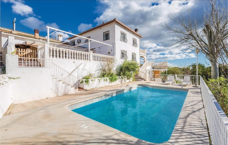 Holiday cottage with 5 bedrooms on 144 m² in Callosa d'En Sarrià